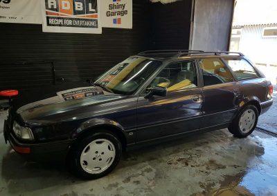 Audi 80 – Mycie detailingowe + Wosk Soft99 + Dokładne czyszczenie wnętrza